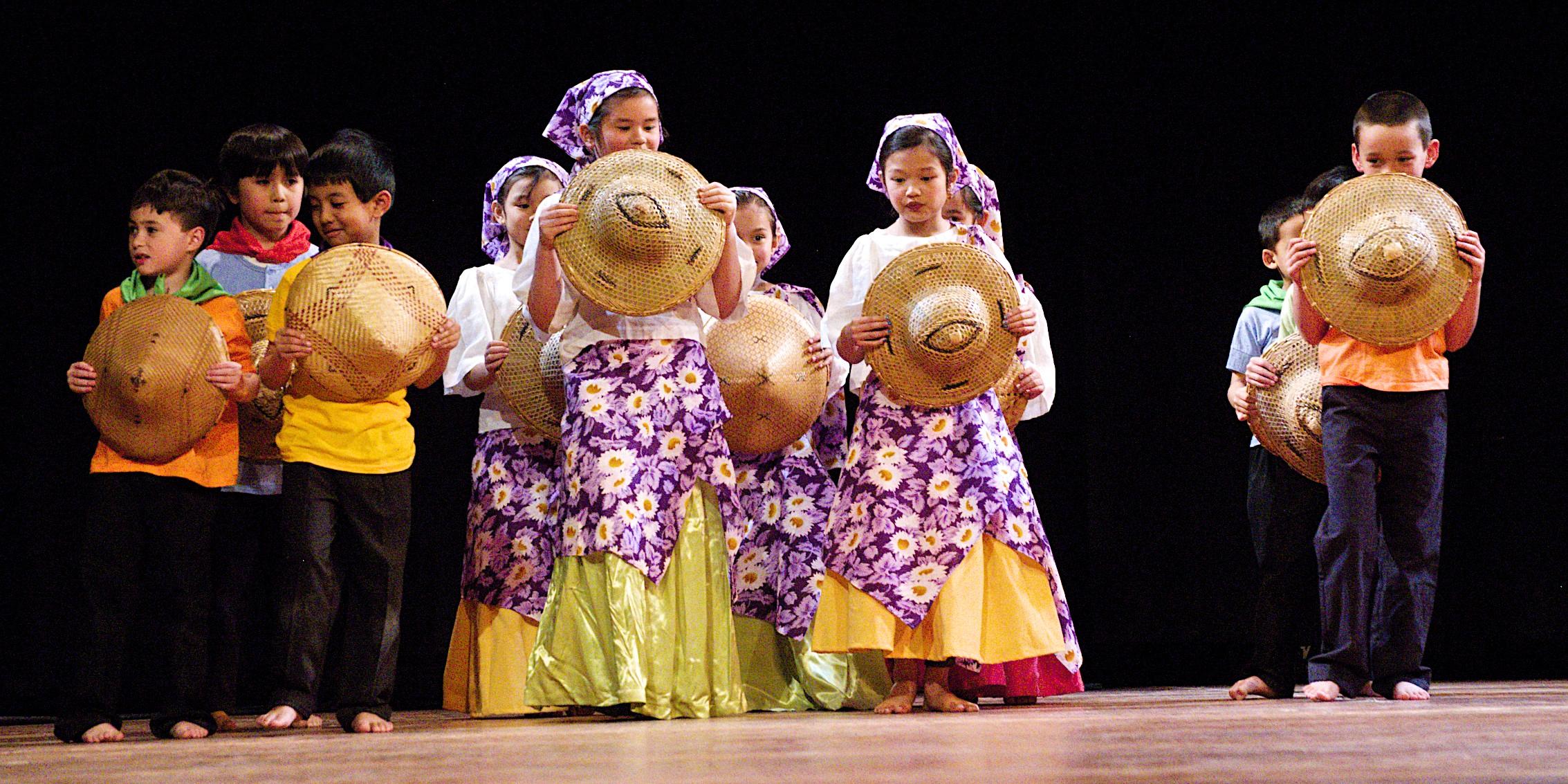 Salakot Dance